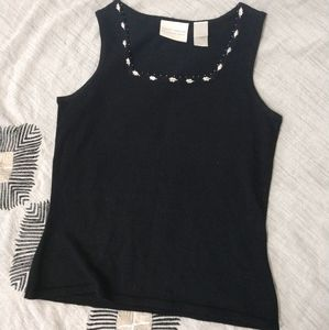 3/$15 VINTAGE Embroidered Leaf Black Tank Size S
